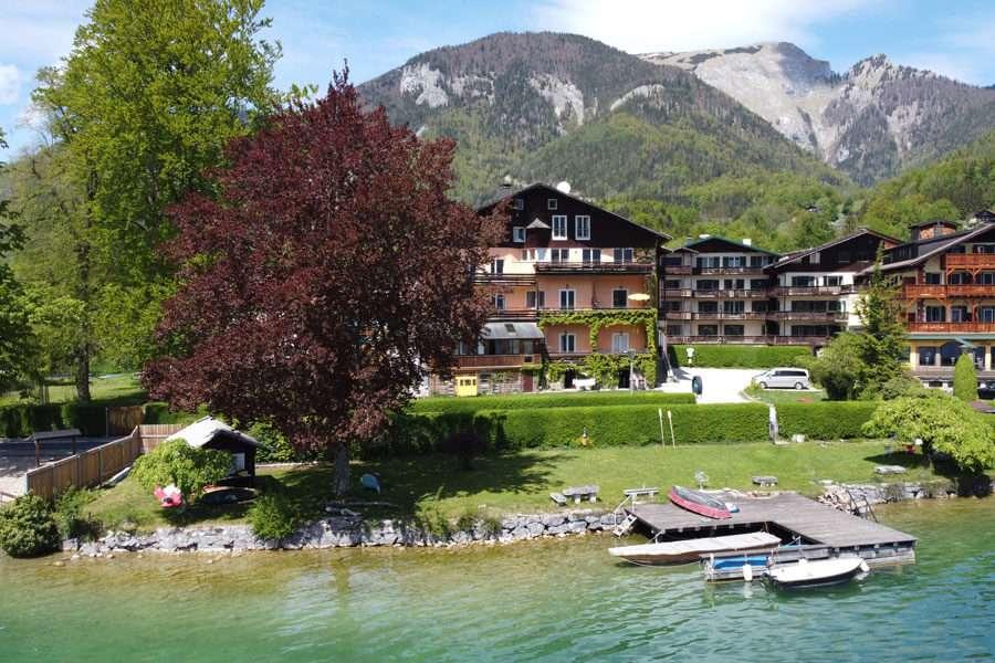 Seehaus-mit-Badeplatz
